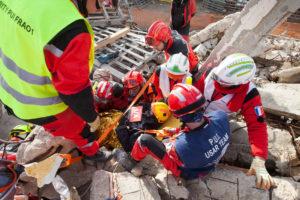 identification-santé-sécurité-urgences-QR-code-urgentistes-missions-urgence-pompier-international-equipement-